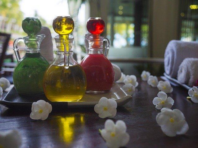 olejek z drzewa herbacianego, olejek herbaciany